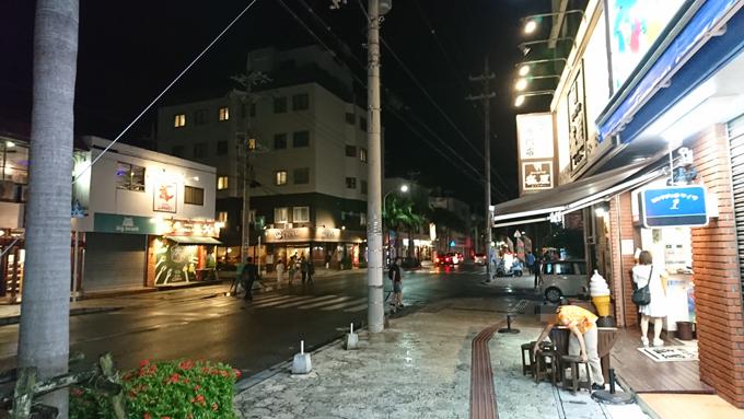 にぎわう週末1.jpg