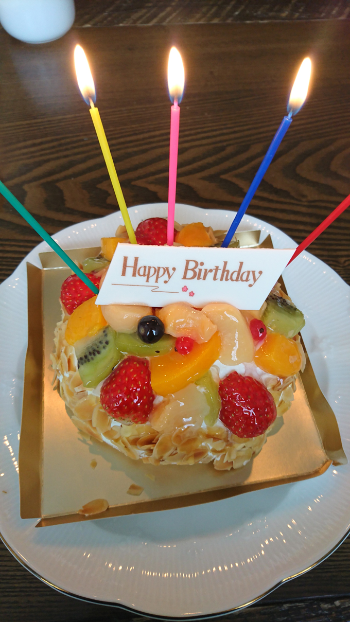 誕生日ケーキ1.jpg