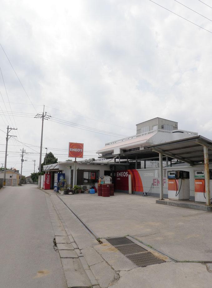 給油所と公民館2011年7.jpg