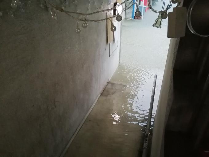 大雨地下浸水2.jpg