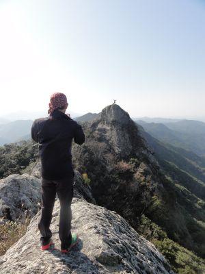 雄嶽を望む