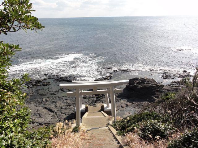 琴崎・コロク神社