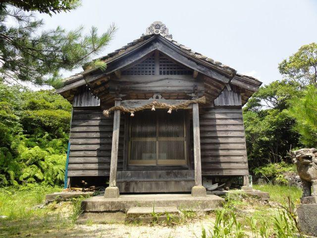 与良祖神社(拝殿)