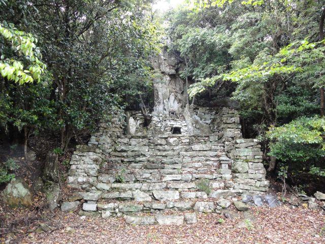 与良祖神社(奥の院)