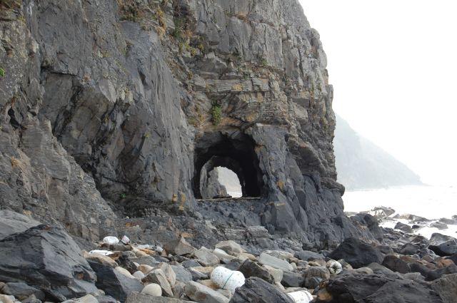 阿連(あれ)の洞門