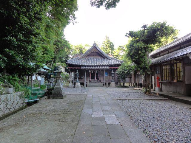 厳原八幡宮