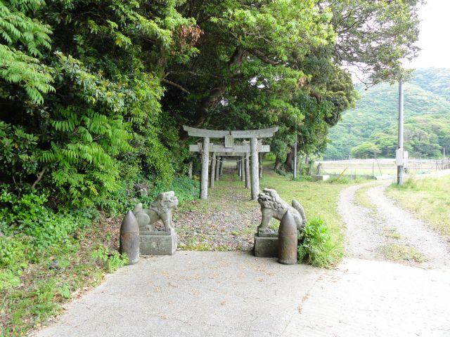 雷命神社(阿連)