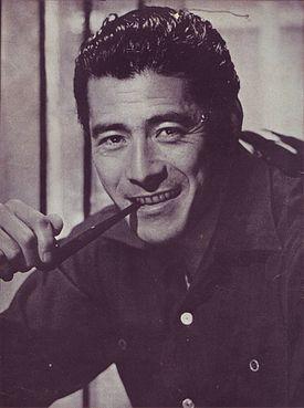 Toshiro_Mifune_1954_Scan10003_160913.jpg