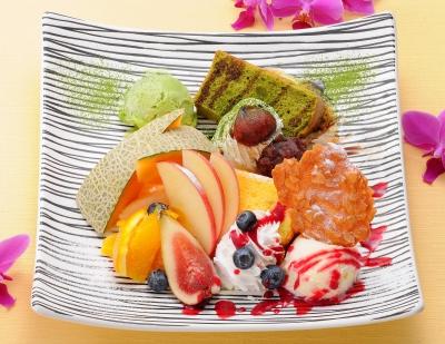 フルーツたっぷり贅沢シフォンケーキ
