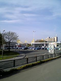 Westfalen Hallen南口より