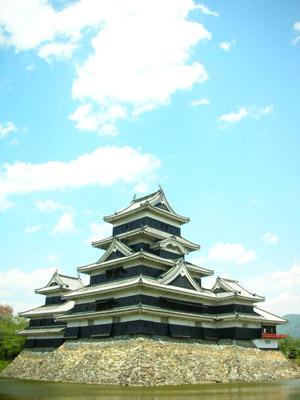 くろびかる松本城