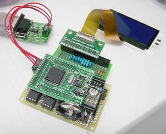 LCDモジュールを使うために組み立てたハードウェア