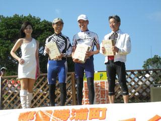 Aコースロード60代 2位の植林さん、優勝の西川さん
