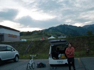 会場のスキージャム駐車場で準備中