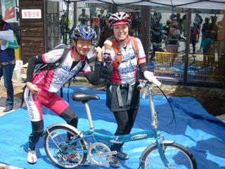 YOSHIMI、折り畳み自転車ゲット!
