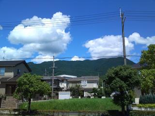 ヤムヤムから望む山脈