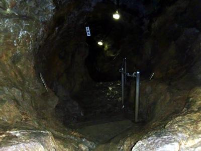 洞窟を後にします