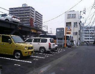 裏通りの第二駐車場・一方通行