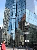 ハンコックタワーに映るトリニティ教会