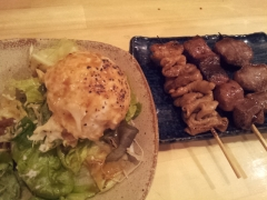 串もつとポテトサラダ