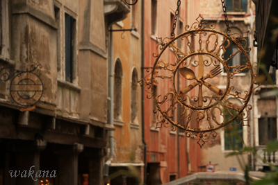 ヴェネツィアと看板