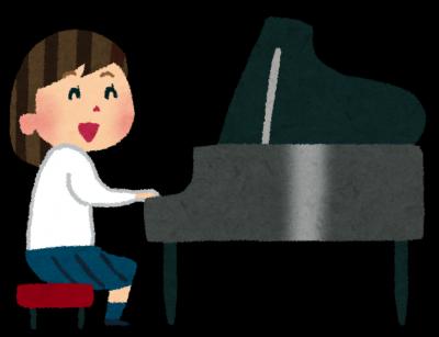 ピアノを弾くさくら