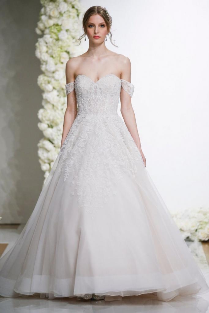 robe de mariée épaule dénudée princesse