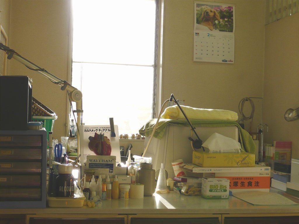 病室の中。