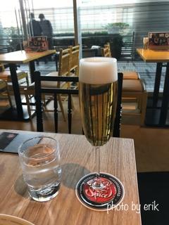 cc14f314cd571 アメリカ産「カスケードホップ」を香り付けに使用し、爽やかな柑橘系の香りが特徴のビール!美味いです!そしてこのグラスだとさらに美味いです!