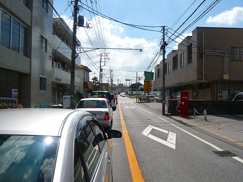 高塚入口交差点東行直進