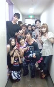 舞台『IMAGINE9.11』千秋楽(2012/9/28)公園前楽屋前廊下にて