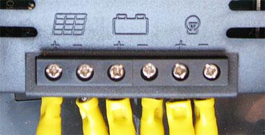 チャージコントローラーへの各配線の接続