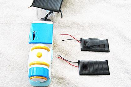 追加する2枚のソーラーパネル