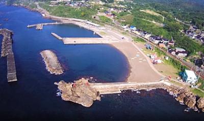 HUBSAN-H501S-ハブサン-トイドローン-で空撮した海岸と港