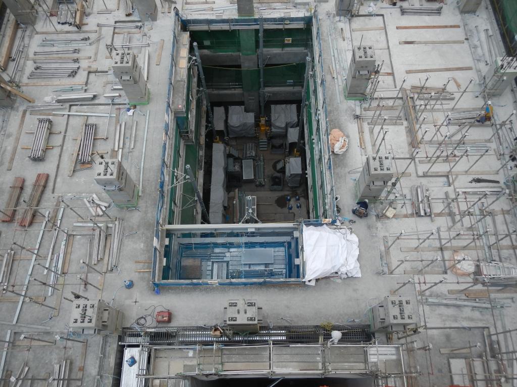 20170329_高層棟4階_PC40架設55支保工組立.JPG