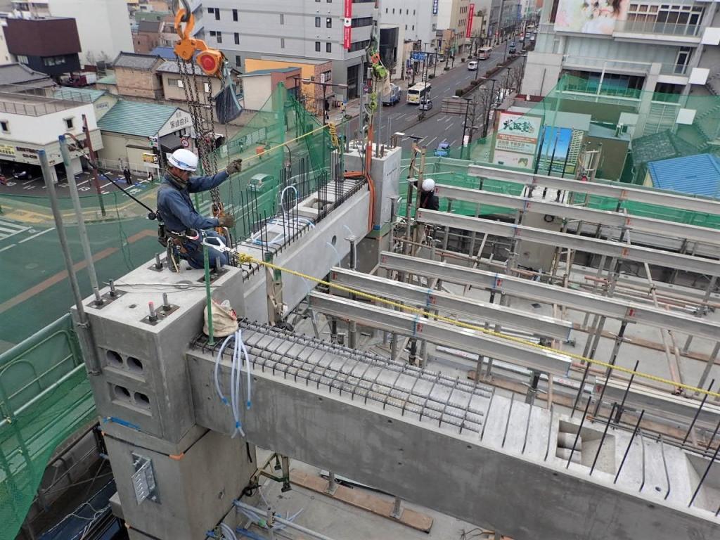 20170331_高層棟5階_梁の設置作業.JPG