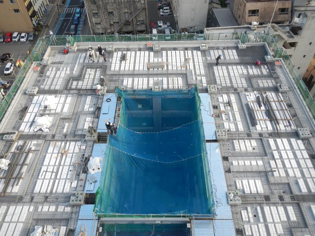 20170523_高層棟8階_8階床配筋取付作業.JPG