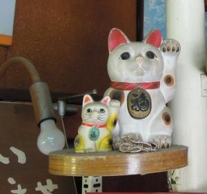 島田菓子舗の招き猫