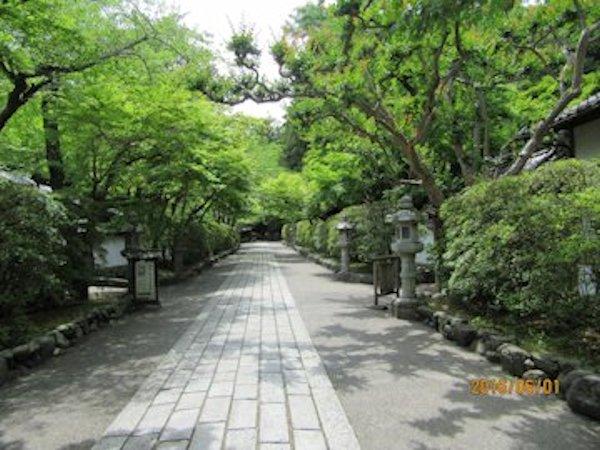 滋賀県石山寺の参道