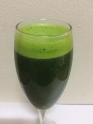 つぼみ菜ジュースの色