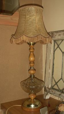 ラシックなフランス製ベラムランプ