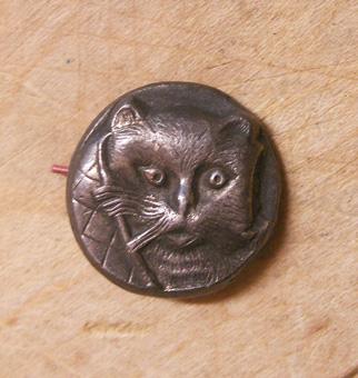 ネコのボタン
