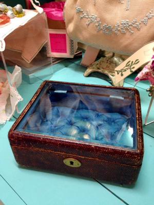 縁取りガラスの宝石箱(フランス製)