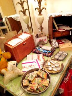 ぬいぐるみや子ども用積み木、 お菓子型