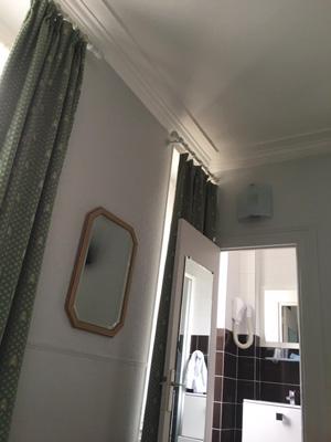 パリのホテル:洗面所
