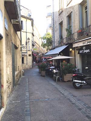 モンペリエの石畳の坂道