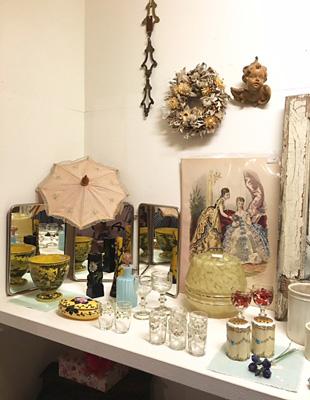 フランスのリキュールグラスや香水瓶