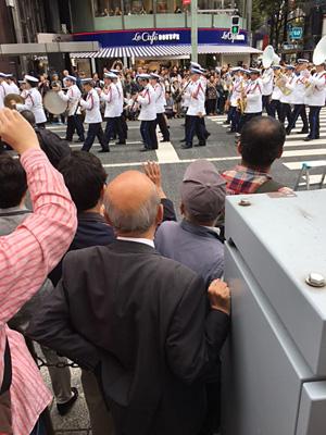 警察音楽隊のパレード(フランス)