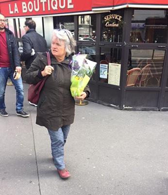 スズランを買った女性