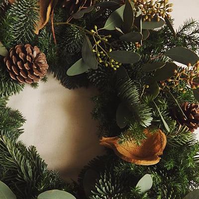 暮らしと植物さんのクリスマスリース